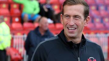 justin edinburgh dies aged 49: leyton orient boss and former tottenham defender passes away