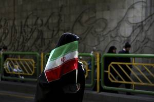 Women attacked for trying to watch football match in Iran