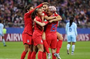 Alex Morgan scores her 5th goal in the USWNT's 2019 FIFA Women's World Cup debut