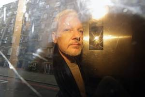 Julian Assange: US submits formal extradition request for WikiLeaks founder
