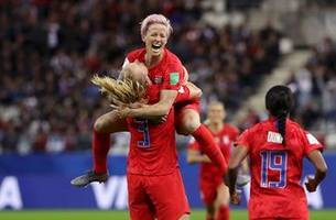 Sam Mewis' second goal extends United States' lead to 6-0 vs. Thailand