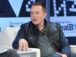 Elon Musk said it's 'financially insane' to buy a car that isn't electric and won't be able to drive itself — but there are 3 reasons why he might be wrong