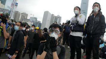 Hong Kong extradition: Protest mounts as controversial bill debated