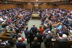 No-deal Brexit in October moves step closer as Labour and SNP MPs lose crunch vote