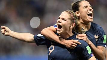 Hosts France edge past Norway in front of 34,000