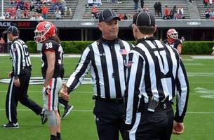 'This isn't for everyone': A labor of love for football refs