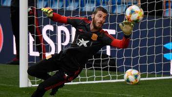 man utd ready another contract offer for david de gea as red devils draw up list of replacements