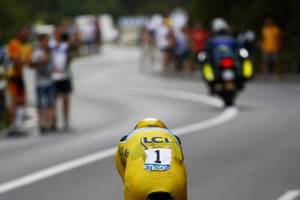 froome has surgery, in intensive care after high-speed crash