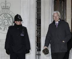 Julian Assange: Extradition order signed by home secretary ahead of Wikileaks founder's court hearing