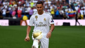 real madrid supporters call for los blancos to sign kylian mbappe at eden hazard's  presentation