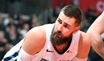 Report: Grizzlies' Jonas Valanciunas to Decline $17.6M Option on 2019-20 Contract
