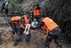 more than 60 people killed, 350,000 evacuated during floods across central china