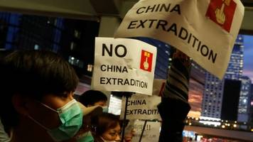hong kong extradition protests: advisers urge leader carrie lam to delay