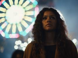 hbo dives into fresh waters with 'euphoria,' a depiction of modern teenage life that's as gripping and gritty as 'the wire' (t)