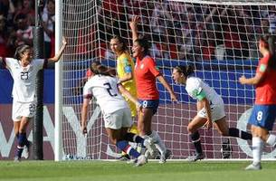 2019 FIFA Women's World Cup™: United States' Carli Lloyd scores her 2nd off the corner to extend the lead | HIGHLIGHTS