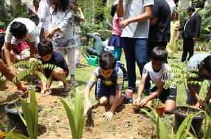 dlf5 residents plant the seeds for a sustainable future