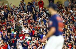 twins rally for 5-4 win over royals on joe mauer day