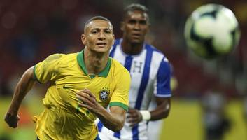 neres urged to join toffees, richarlison shines for brazil & silva eyes keeper: everton news roundup