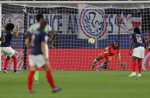 2019 FIFA Women's World Cup™: France's Wendie Renard buries 2nd penalty attempt after GK's yellow card | HIGHLIGHTS