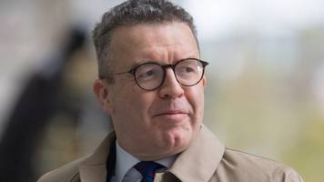 labour 'needs clear anti-brexit position', says tom watson
