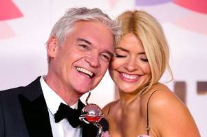 Holly Willoughby breaks silence on Philip Schofield row rumours