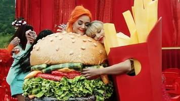 Katy Perry appears in Taylor Swift's You Need To Calm Down video