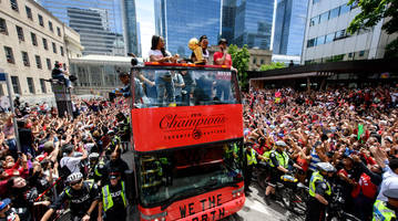 toronto police investigating report of potential shooting at raptors celebration