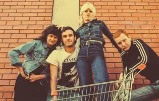 can't be muzzled: amyl and the sniffers interviewed