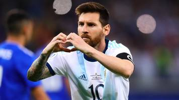 Copa America: Lionel Messi goal salvages 1-1 draw with Paraguay