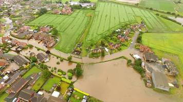 Hundreds of people out of homes after serious floods in Lincolnshire