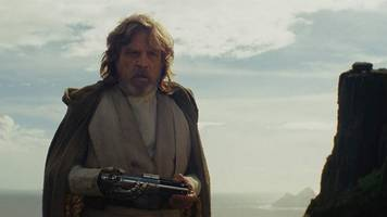 mark hamill might return as force ghost on 'star wars: the rise of skywalker'