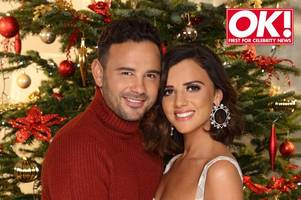 lucy mecklenburgh and ryan thomas engaged as coronation street star proposes to towie beauty