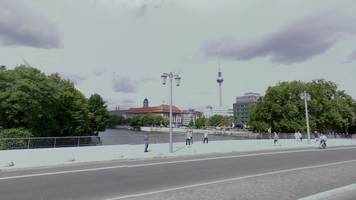 urinating man causes injuries on berlin boat