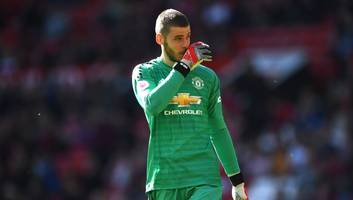 manchester united 'confident' of david de gea stay after upping massive contract offer