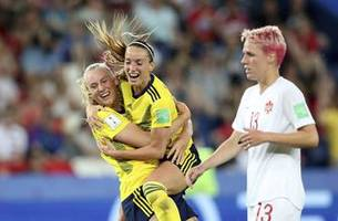 Sweden through to quarterfinals with 1-0 win over Canada