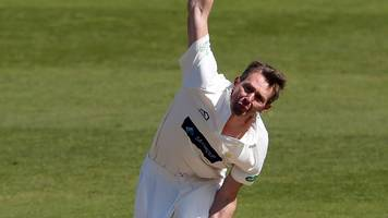 county championship: glamorgan fight back against gloucestershire