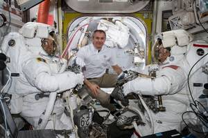 3 astronauts set to return on earth abroad russian spacecraft