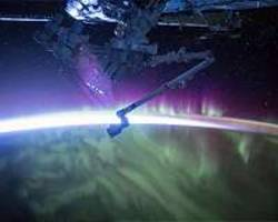 northern lights' social networking reveals true scale of magnetic storms
