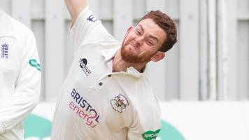 county championship: gloucestershire bowlers earn lead over glamorgan