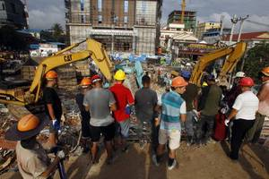 cambodia charges 7, including chinese, in building collapse