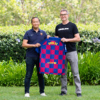 roblox and fc barcelona partner to commemorate new fc barcelona home kit