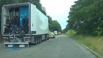 migrants found in refrigerated lorry in surrey