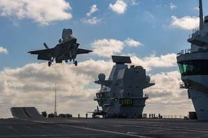 royal navy hms queen elizabeth f35s fly isis missions over iraq and syria
