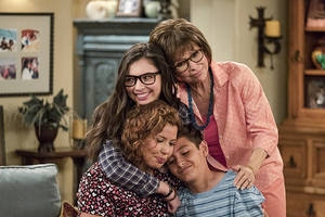twitter push to save 'one day at a time' helps latinos in hollywood find their voice