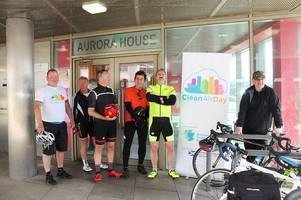cyclists beat car in race from dumbarton council offices for clean air day event