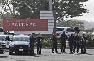 hunt on for shooters after 2 shot at california mall