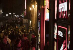 amsterdam sex workers lukewarm to plans to reform red light district