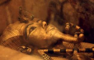 'king tut' bust auctioned for $6 million over egyptian protests