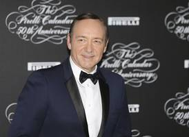 kevin spacey questioned by scotland yard over sexual assault claims