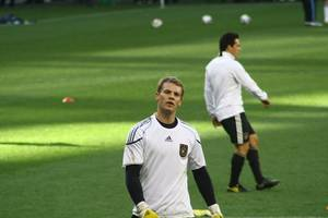 neuer agent warns bayern over future